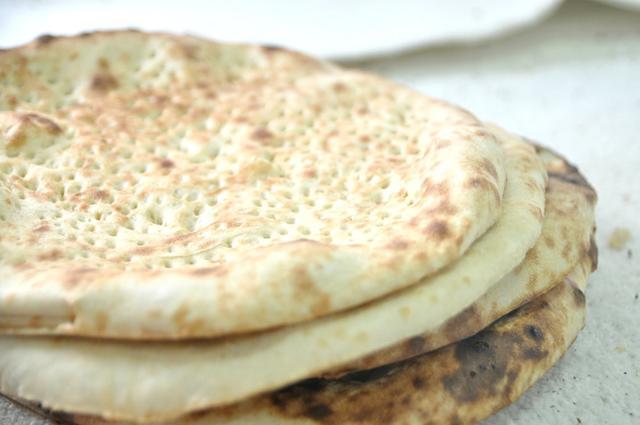 画像: ロティと呼ばれるパンの一種