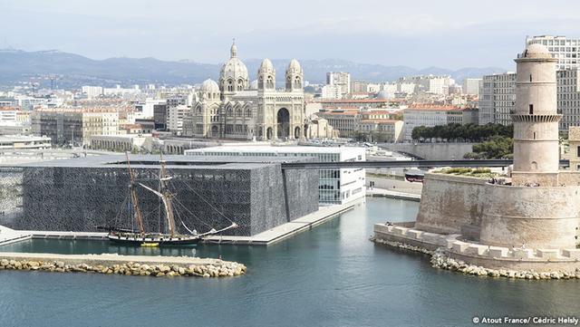 画像1: 地中海に面した港街 マルセイユを旅する