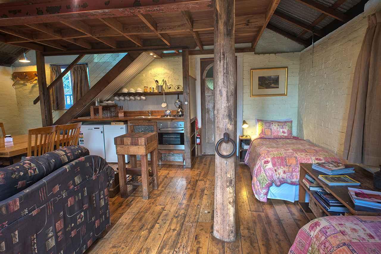 画像: 4人まで宿泊できるロッジ「ミルキング・シェッド」© Old Leura Dairy