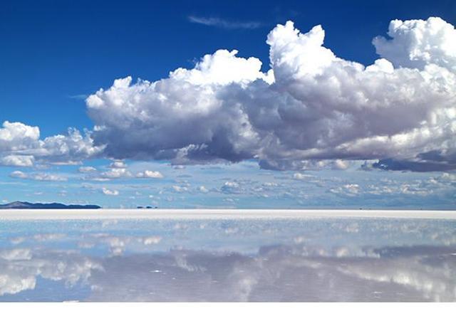 画像2: 世界が憧れる絶景の地へ ボリビア・ウユニ塩湖の太陽と月