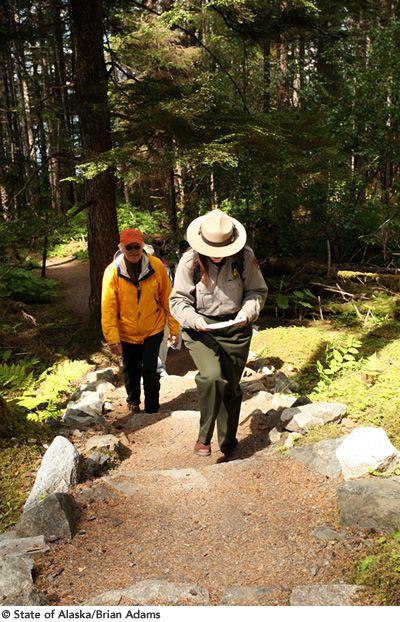 画像4: 山と水と森が織りなす壮大なパノラマ!アラスカ 絶景の大地を旅する