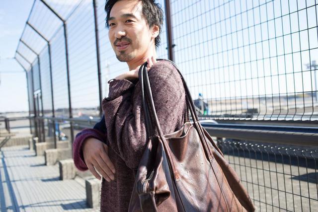 画像: 日常使いにも、旅行用にも、4年以上愛用しているというトートバッグ。