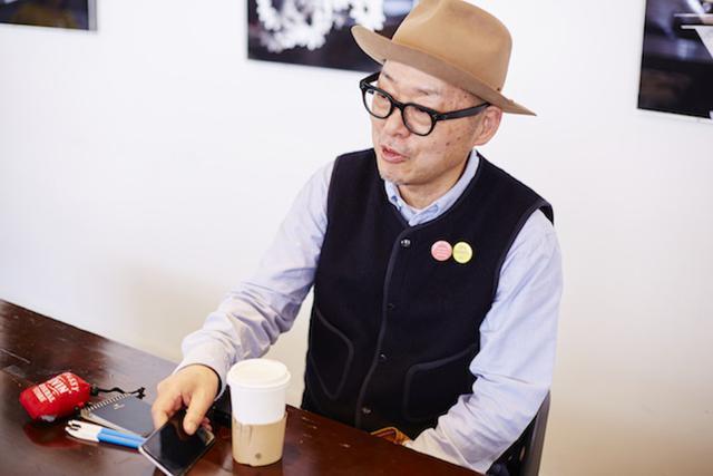 画像: 「スマートフォンが便利で、メモのように写真を撮っています」と岡本さん