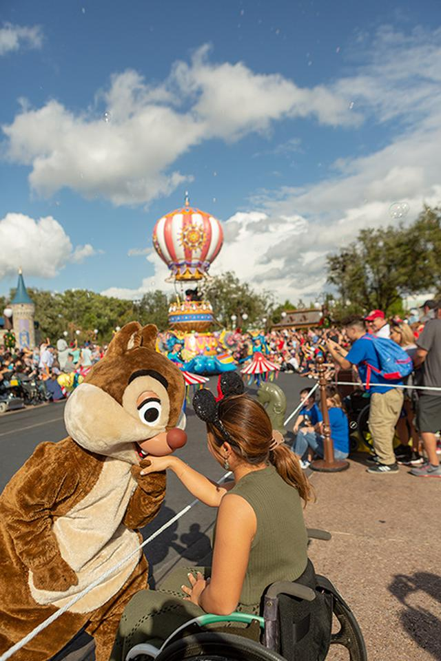画像3: ディズニーランドで列に並んだときのワクワク感が新鮮だった。
