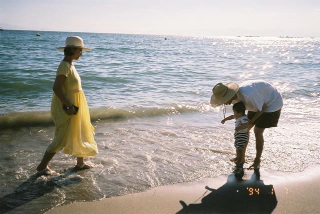 画像: 雨晴くん1歳のころ 江ノ島の海辺にて