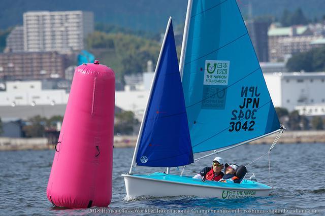 画像: ヨットの大会にも出場している地引さん親子