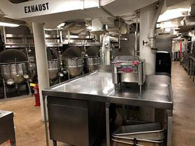 画像: こちらは食堂のキッチン
