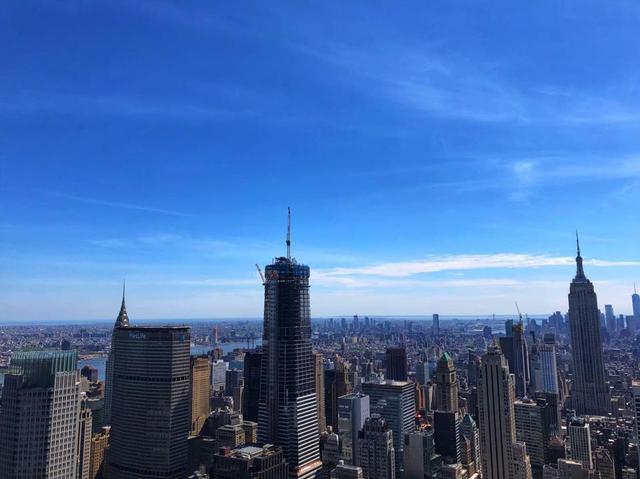 画像: ロックフェラー・センターで見下ろしたニューヨークの景色