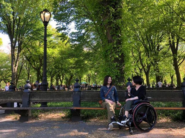 画像: ニューヨークセントラルパークにて