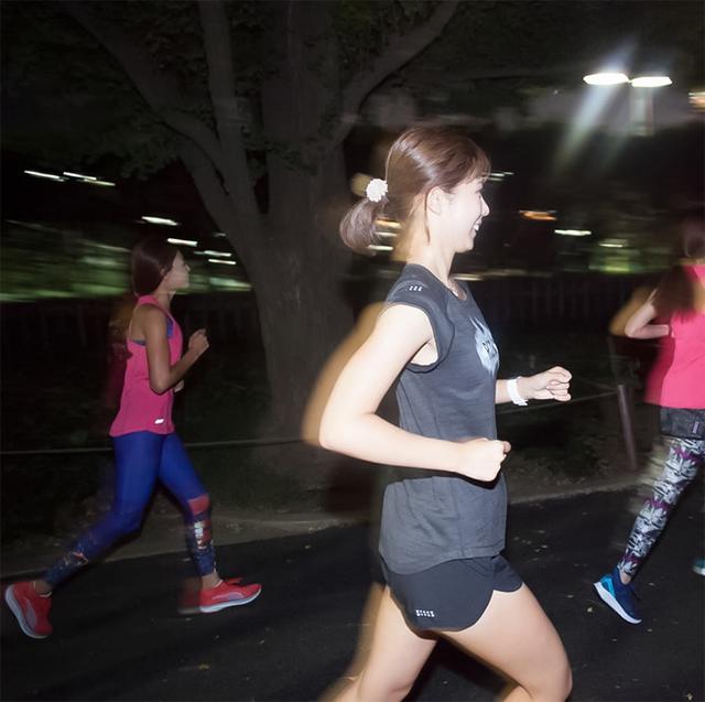 画像: マラソンはひとりじゃない。仲間と走っている感覚が楽しい