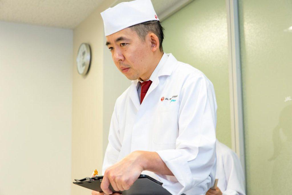 画像2: 味、衛生管理、オペレーション、それぞれの立場からチェックする試食会