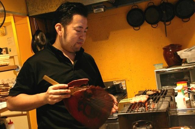 画像: 太田耕輔さんは横浜の出身。武蔵小杉の名店『とさかーな』で長年腕を揮い、縁あって小倉に来たそう