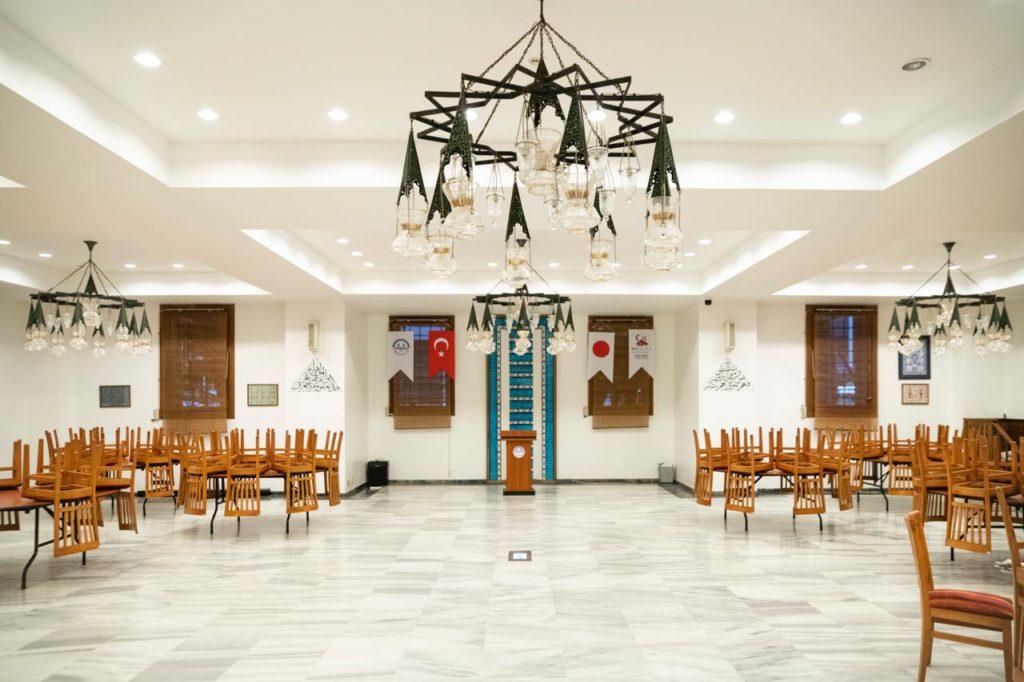 画像: トルコ文化センターの多目的ホール