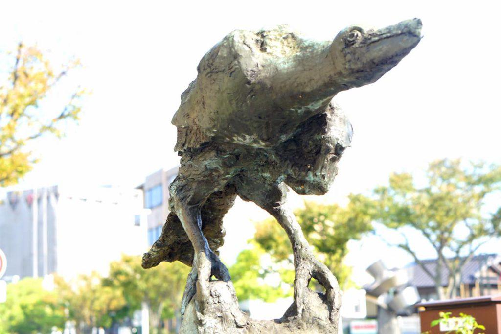 画像: 「風の中の鴉」(柳原義達作)