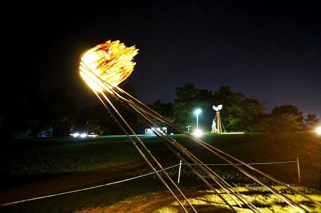 画像: 人間の永遠の願いを表現した「STAR FISHERMAN」(レオナルド クンボ作)
