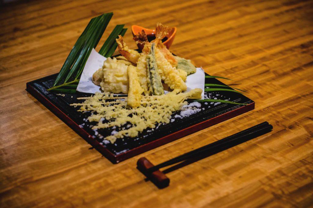 画像1: 「ザ・チャンセリーホテル」はレストランあり大浴場あり。日本人の憩いの場