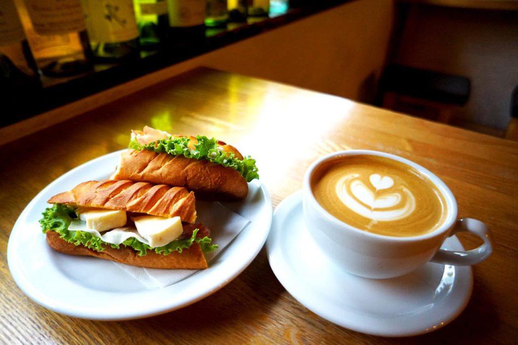 画像: 無添加の素材を使ったサンドイッチも大好評