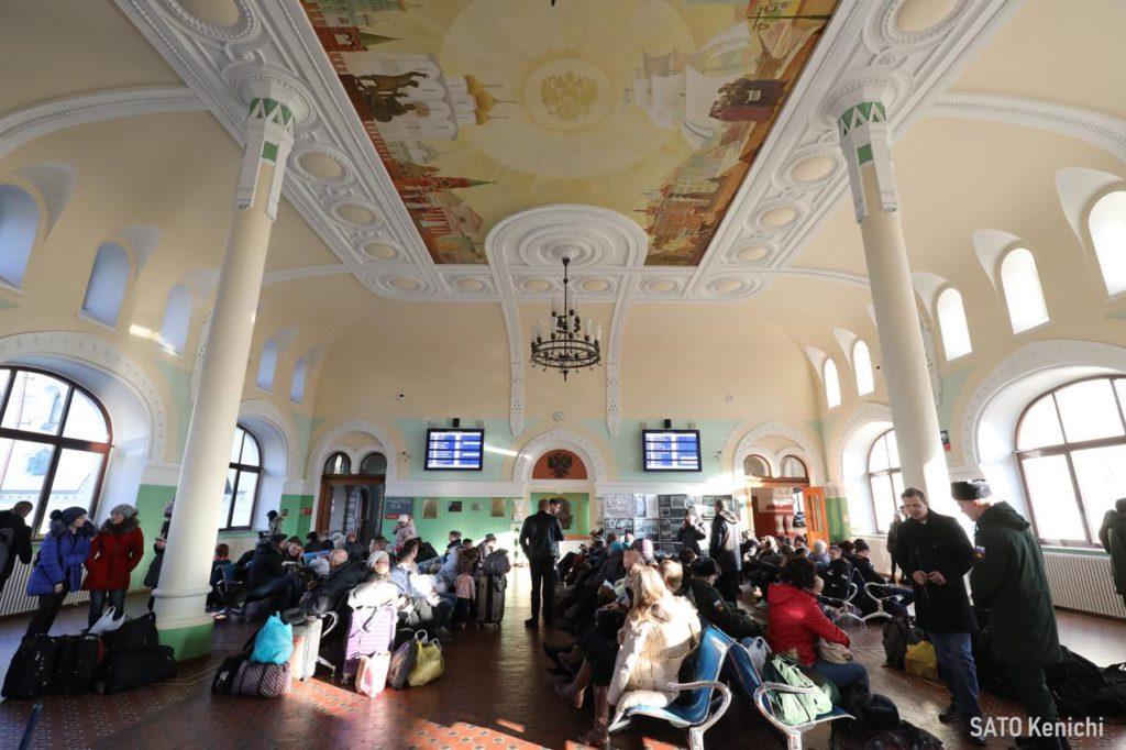 画像2: 色使いが可愛い。まずは「ウラジオストク駅舎」へ