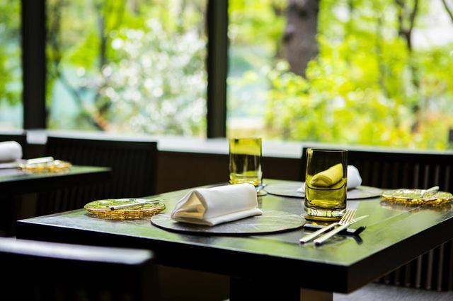 """画像1: 【東京】""""大手町の森""""で堪能する極上の朝食「ザ・カフェ by アマン」"""