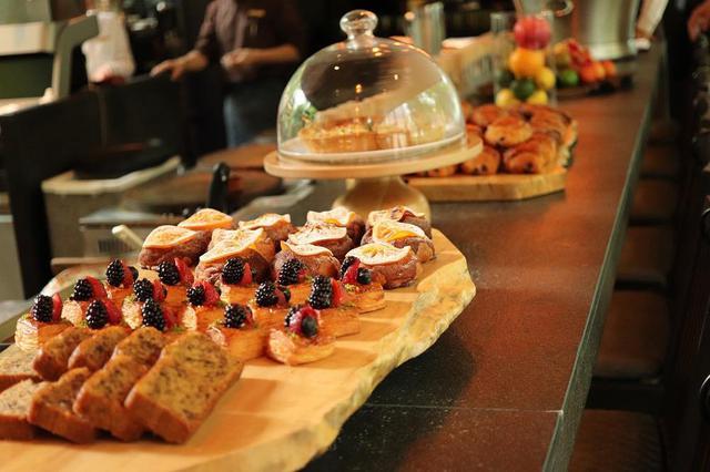 """画像2: 【東京】""""大手町の森""""で堪能する極上の朝食「ザ・カフェ by アマン」"""
