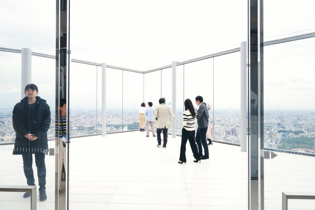 画像3: 最大の目玉。「SHIBUYA SKY」は、全身が空に溶け込む場所