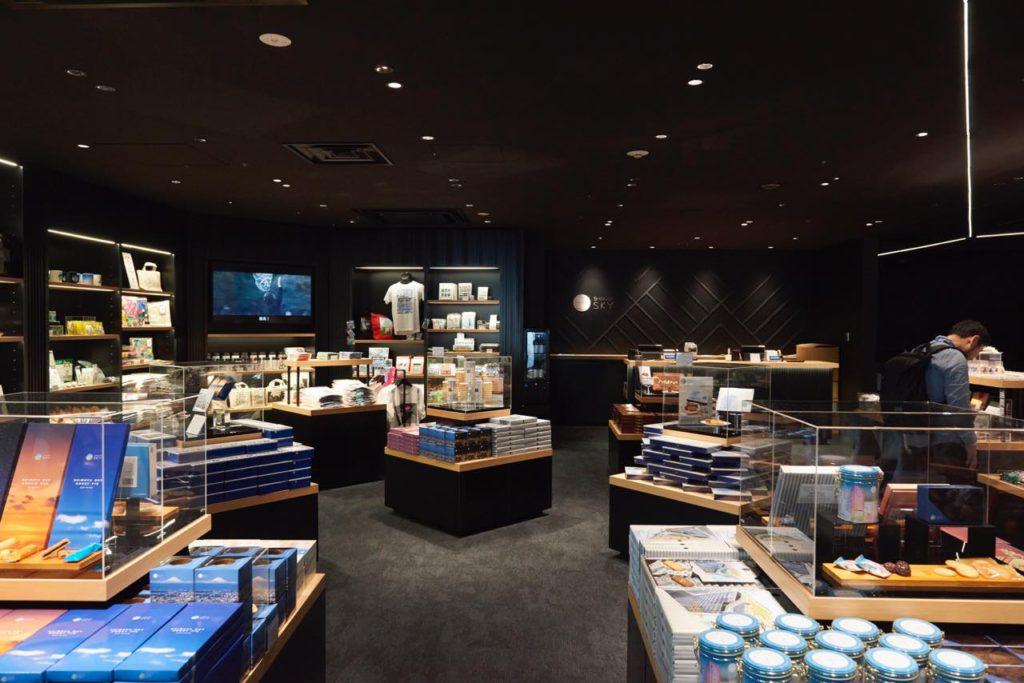 画像: 渋谷にとどまらず、日本の魅力を再発見できるお土産ショップ「SHIBUYA SKY SOUVENIR SHOP」