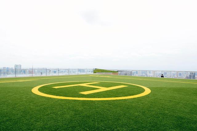 画像10: 最大の目玉。「SHIBUYA SKY」は、全身が空に溶け込む場所