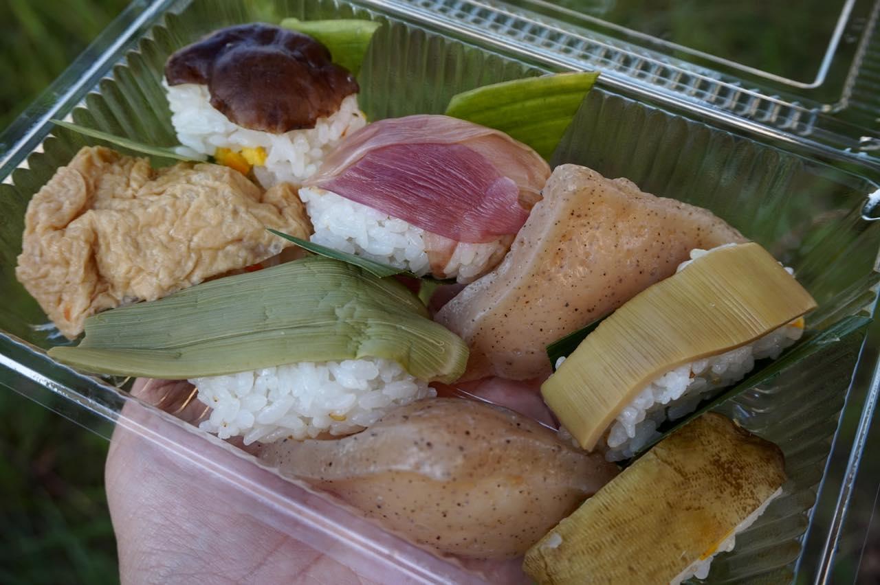 画像2: うどん&田舎寿司:朝食にぴったりな優しい田舎味
