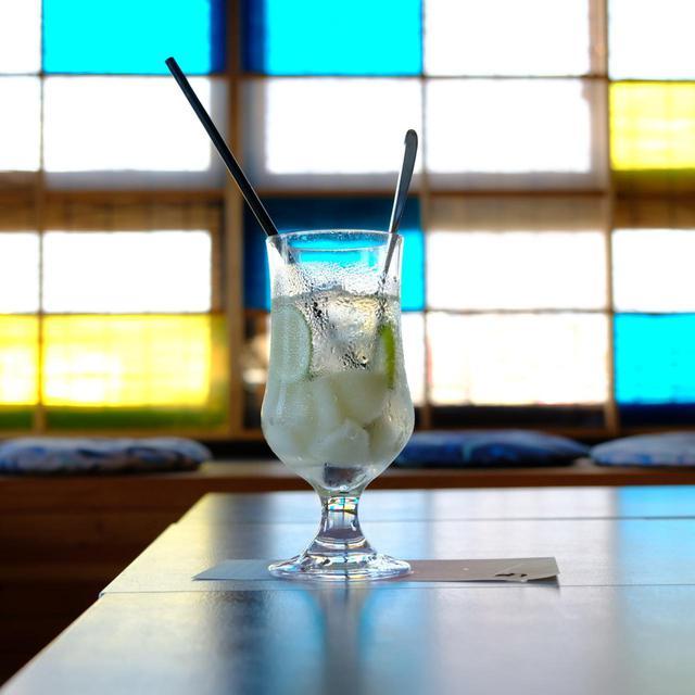 画像: フルーツを使ったドリンク「梨とライムのソーダ」を飲みました。