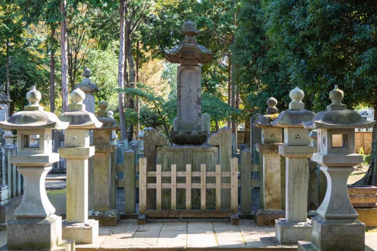 画像: 井伊家墓所内には、幕末の大老・井伊直弼の墓もあります。
