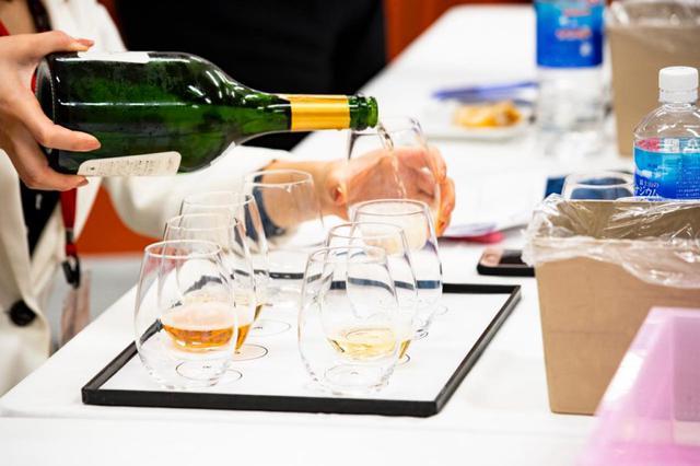 画像: 1000本以上のなかから選ばれる、JALらしいワイン