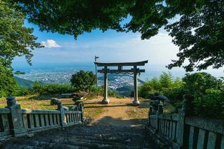 天空の鳥居 高屋神社