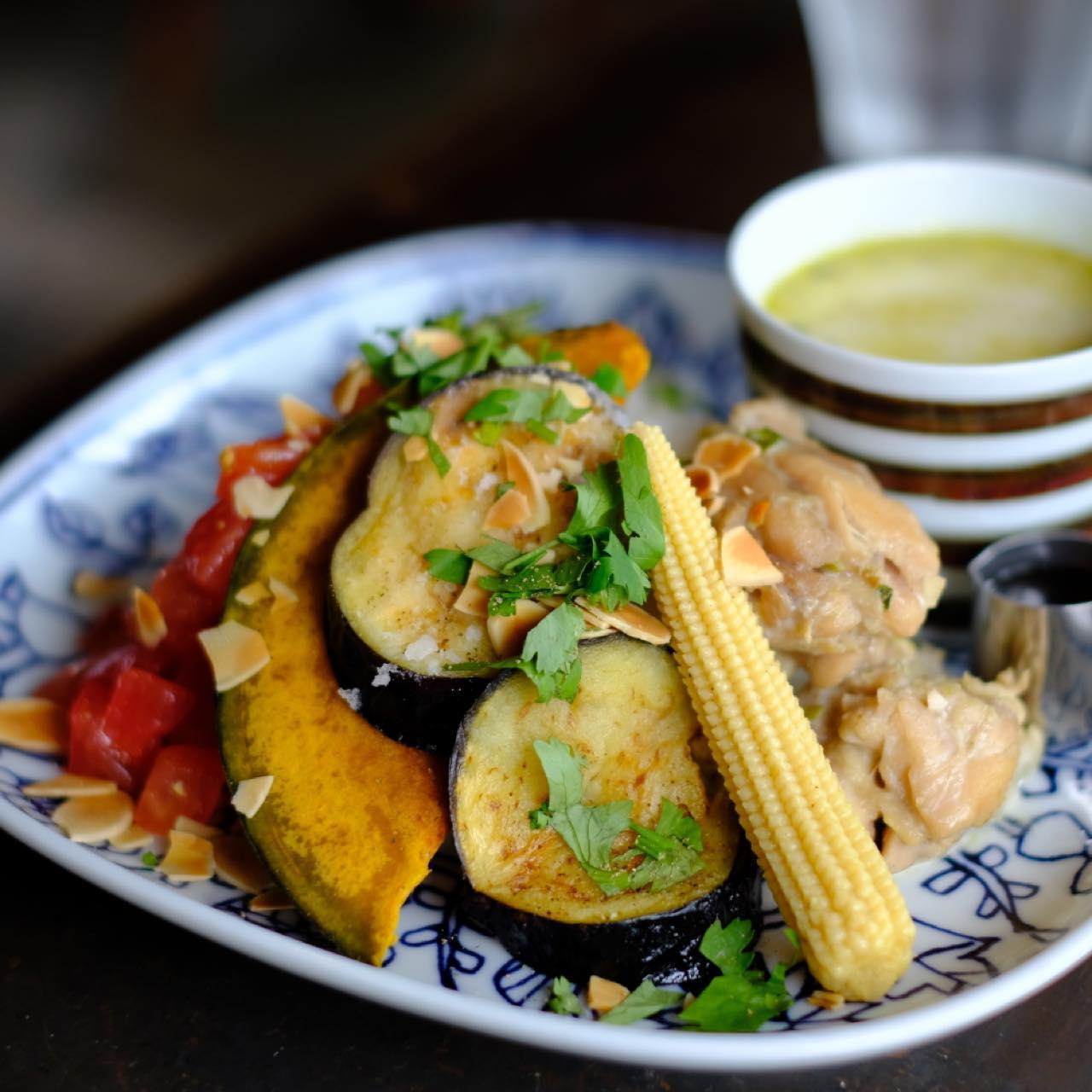 画像: ビタミンカラーの野菜から元気をもらえる。午後もがんばれそう。