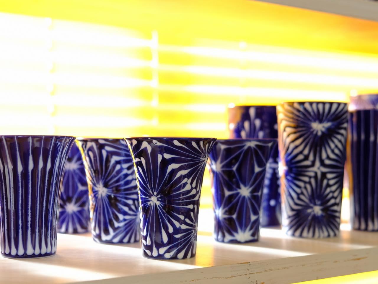 画像: 波佐見の窯元さんたちは様々な技を共有し合ってきたのだそう。「波佐見」のブランドをみんなで一緒に作り、そしてここまで大きくしたのも、こうして共に高め合えたからこそなのかもしれません。