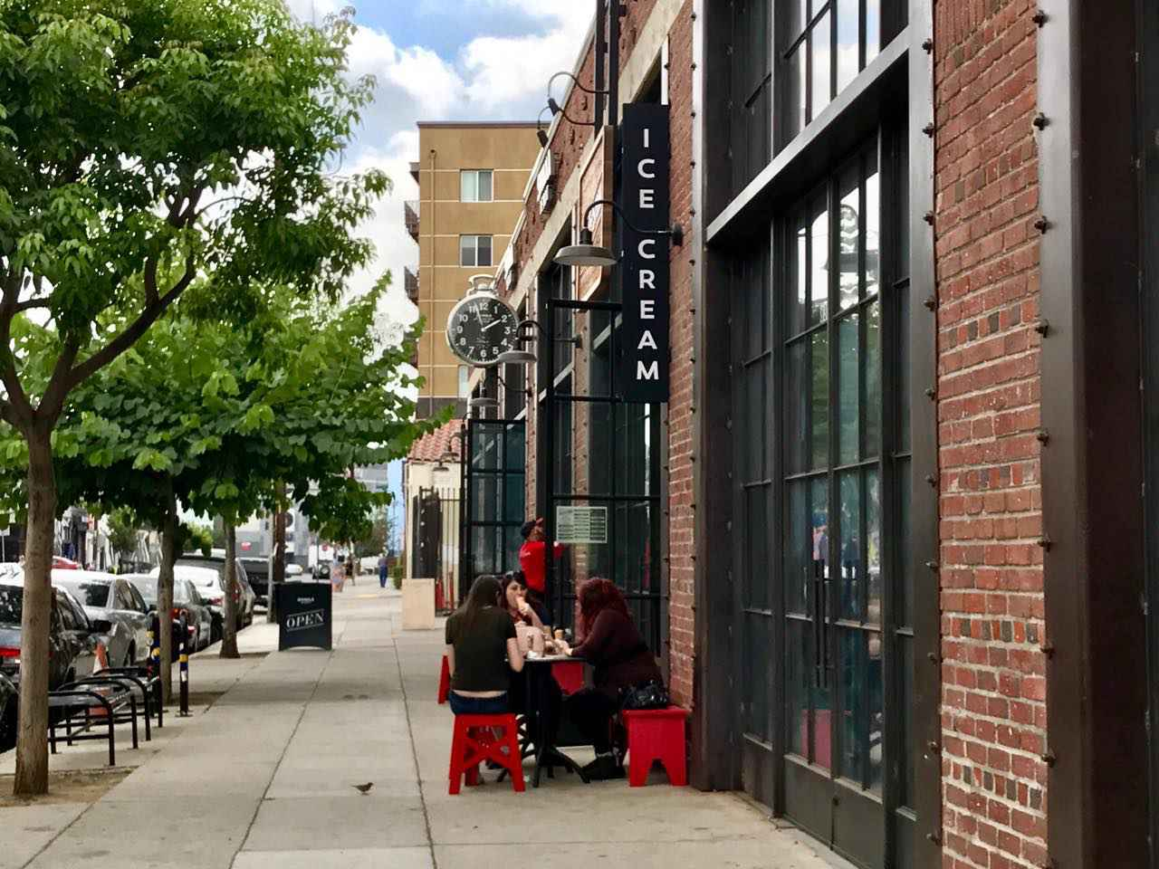 画像: SNS映えする街並みも人気の一角 Arts District(アーツ・ディストリクト)