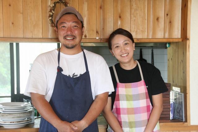 画像: 民宿とランチの料理店を切り盛りなさっている波江野勝美さんと奥様