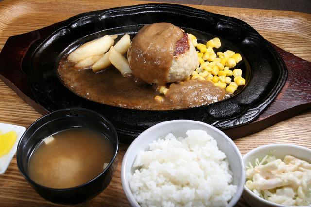 画像: バグースハンバーグ(スパイシーソース) 「バグース」とは神奈川で働いていたハンバーグ店の店名だそう