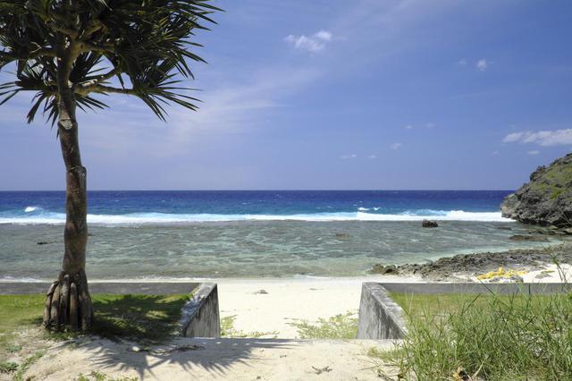 画像1: 2.地元でも人気の隠れ家ビーチ「ダンヌ浜」へ