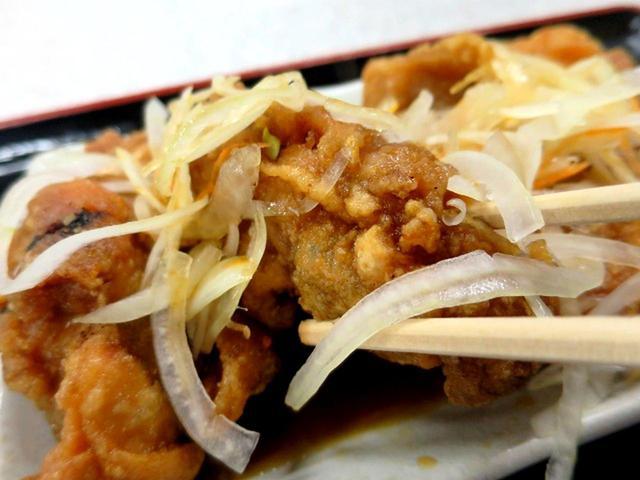 画像: 「鶏南」が食べきれない方は「小」もあるので安心。逆に「大」も、ある
