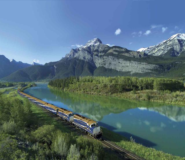 画像: 写真提供:Rocky Mountaineer/カナダ観光局