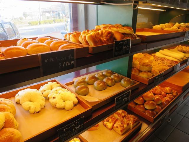 画像: 北海道産小麦・バターを100%使用。北海道産の材料やフランスゲランドの塩などこだわりが随所に