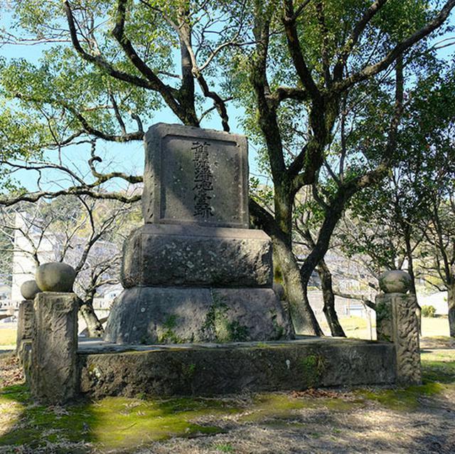 画像: 隣接する祇園之洲公園内には薩英戦争で使われた砲台跡もあります。