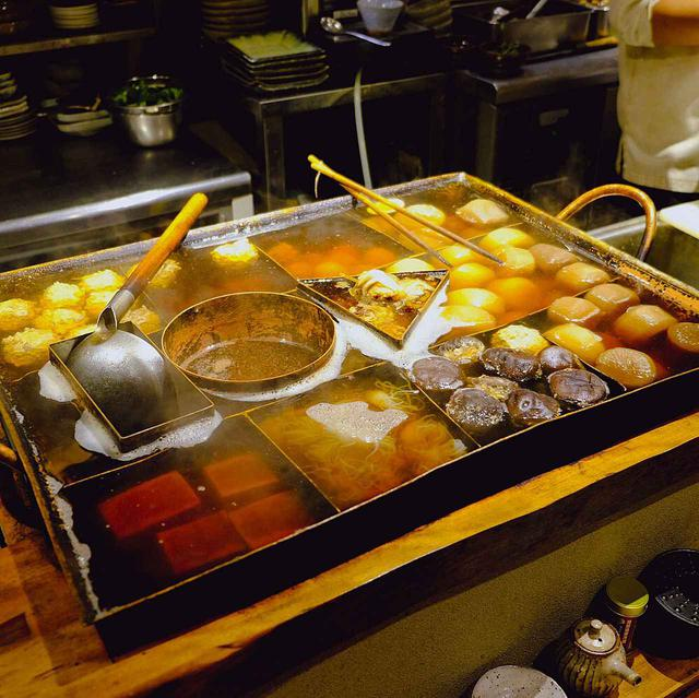 画像: 使い込まれたおでん鍋。