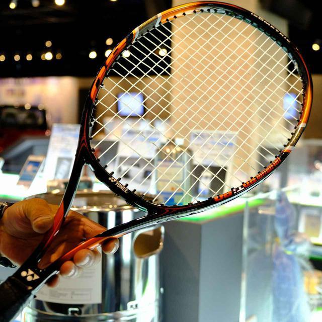 画像: ナイロン樹脂も製造。テニスラケットの一部にも使われるそうです。