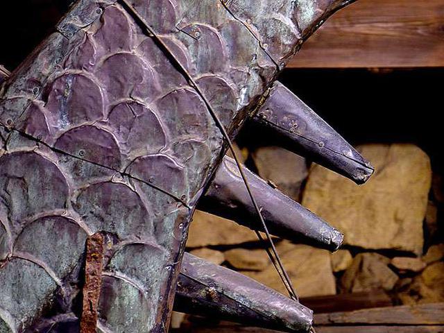 画像: ディテールまでしっかり見ることが出来ます。こんな重たいものが屋根の上に乗っているんですね…。