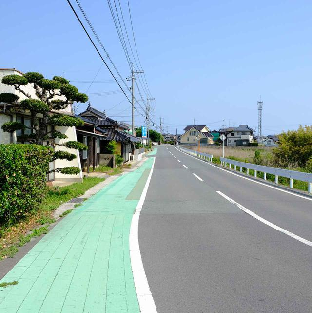 画像: 岐波駅からは徒歩で。目指すは「キワ・ラ・ビーチ」方面へ。