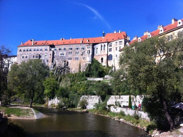 画像: 日帰り観光でも宿泊でも楽しめる美しい街