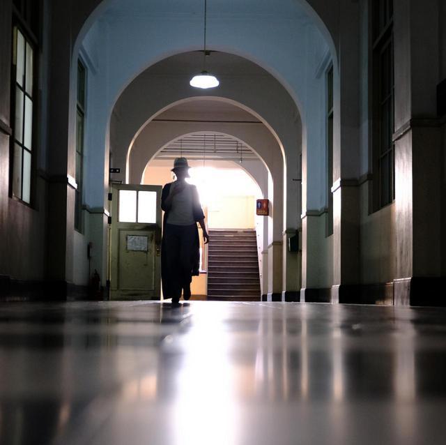 画像: 時代を経ても大事に使われている庁舎。映画「世界の中心で、愛をさけぶ」のロケでも使われました。