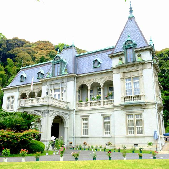 画像: 地上3階地下1階の鉄筋コンクリート造り。大正時代に建てられ、時の皇太子(後の昭和天皇)の宿泊所として使われました。