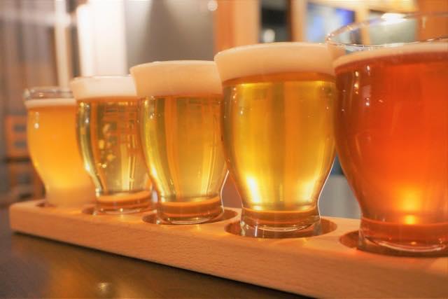 画像: レストレランではビールを飲んでのんびり